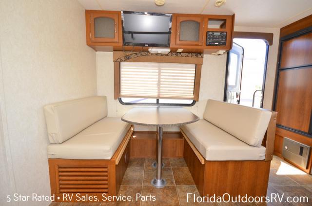 2014 Coachmen Freedom Express Ultra-Lite 246RKS