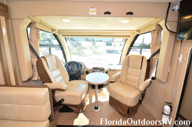 2018 Thor Motor Coach Vegas RUV 25.4