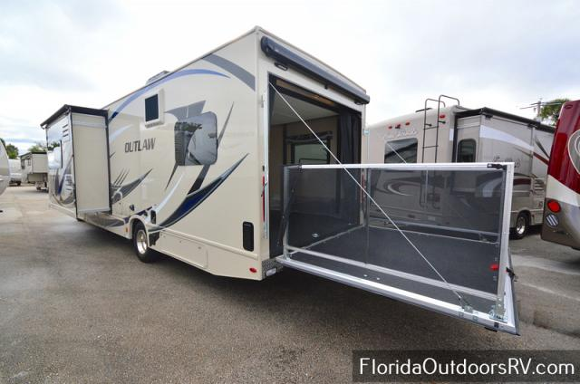 2019 THOR Motor Coach OUTLAW 29J