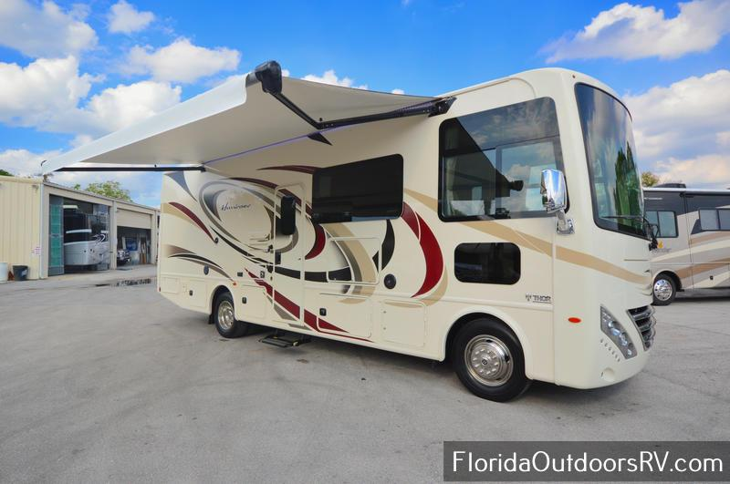 2018 Thor Motor Coach Hurricane 27b
