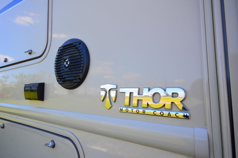 2018 Thor Motor Coach Vegas 25.2